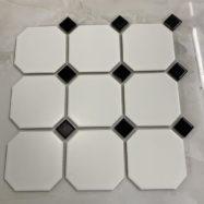 Gạch Mosaic Gốm Bát Giác Màu Trắng Đen Lát Nền Phòng Tắm