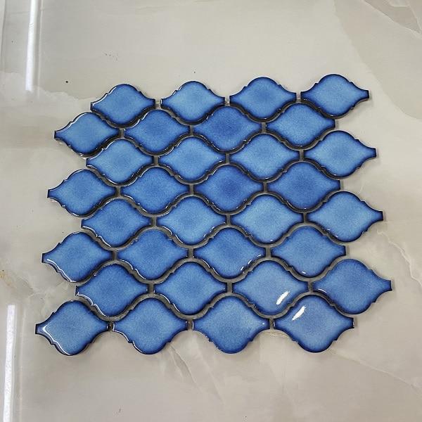 gach mosaic hinh den long trang tri bep phong ve sinh mau xanh nuoc bien