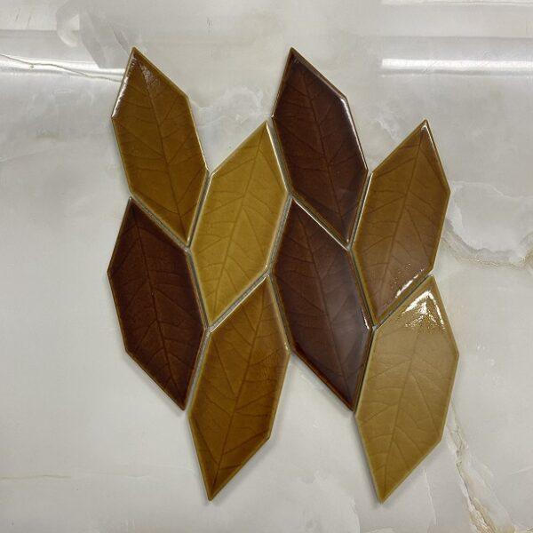 Gạch Mosaic Hình Chiếc Lá Màu Vàng