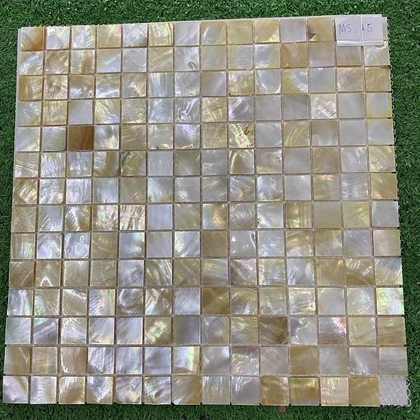 gach mosaic xa cu mau vang op phong tam