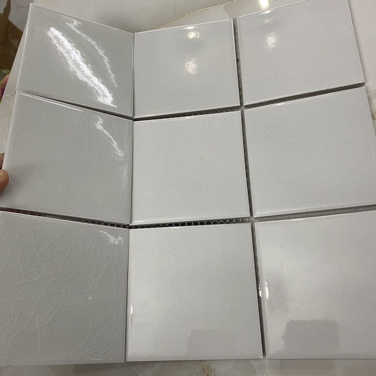 gach mosaic mau trang men ran 10x10 cm
