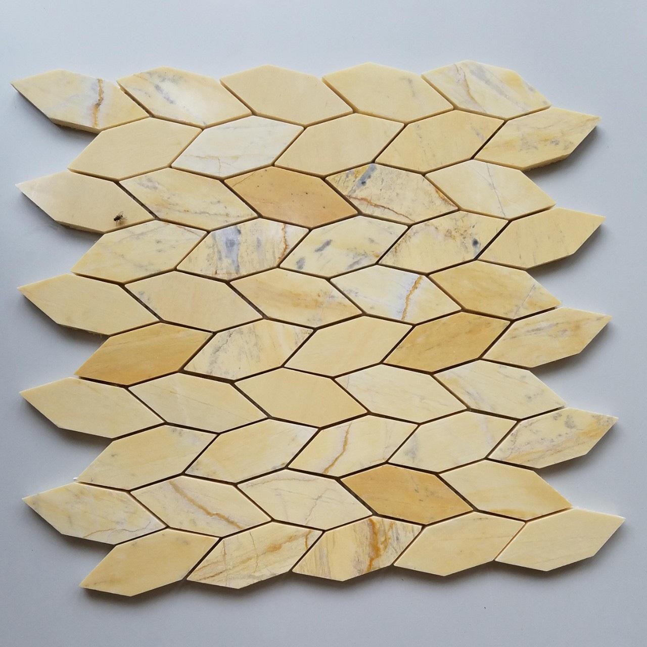 da mosaic da tu nhien marble mau vang