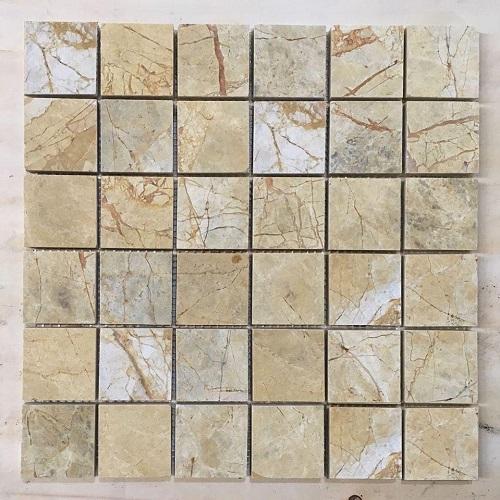 da mosaic hinh vuong mau vang da tu nhien 4.8x4.8 cm