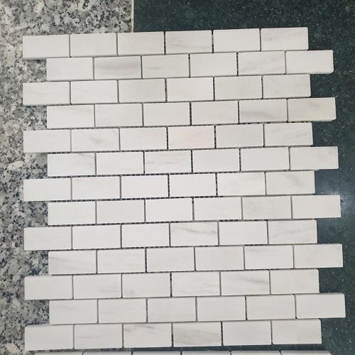 da mosaic op tuong hinh chu nhat da mosaic marble