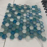 Gạch Mosaic Lục Giác Màu Xanh Biển Thủy Tinh