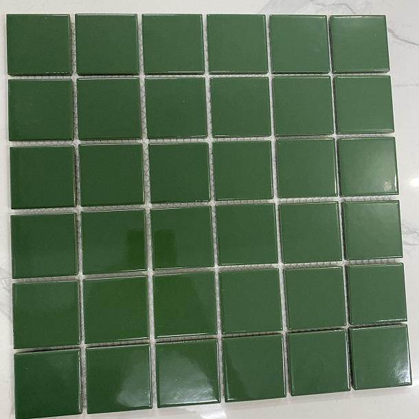 gach mosaic mau xanh la cay