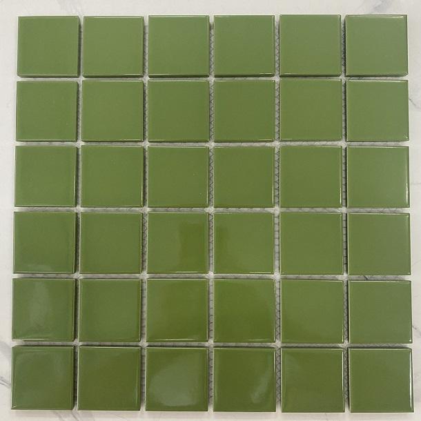 gach mosaic mau xanh la