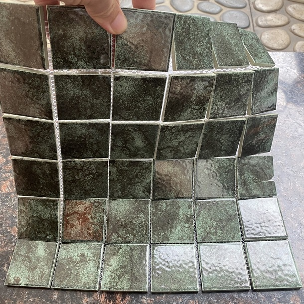 gach mosaic mau xanh reu