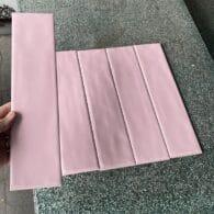 Gạch Ốp Tường Màu Hồng 75×300
